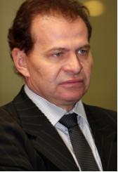 http://memoriapolitica.alesc.sc.gov.br/uploads/imagem/arquivo/Gilmar_Knaesel3.jpeg